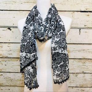 DISNEY PARKS Mickey Mouse scarf black & white